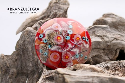 red cabochon